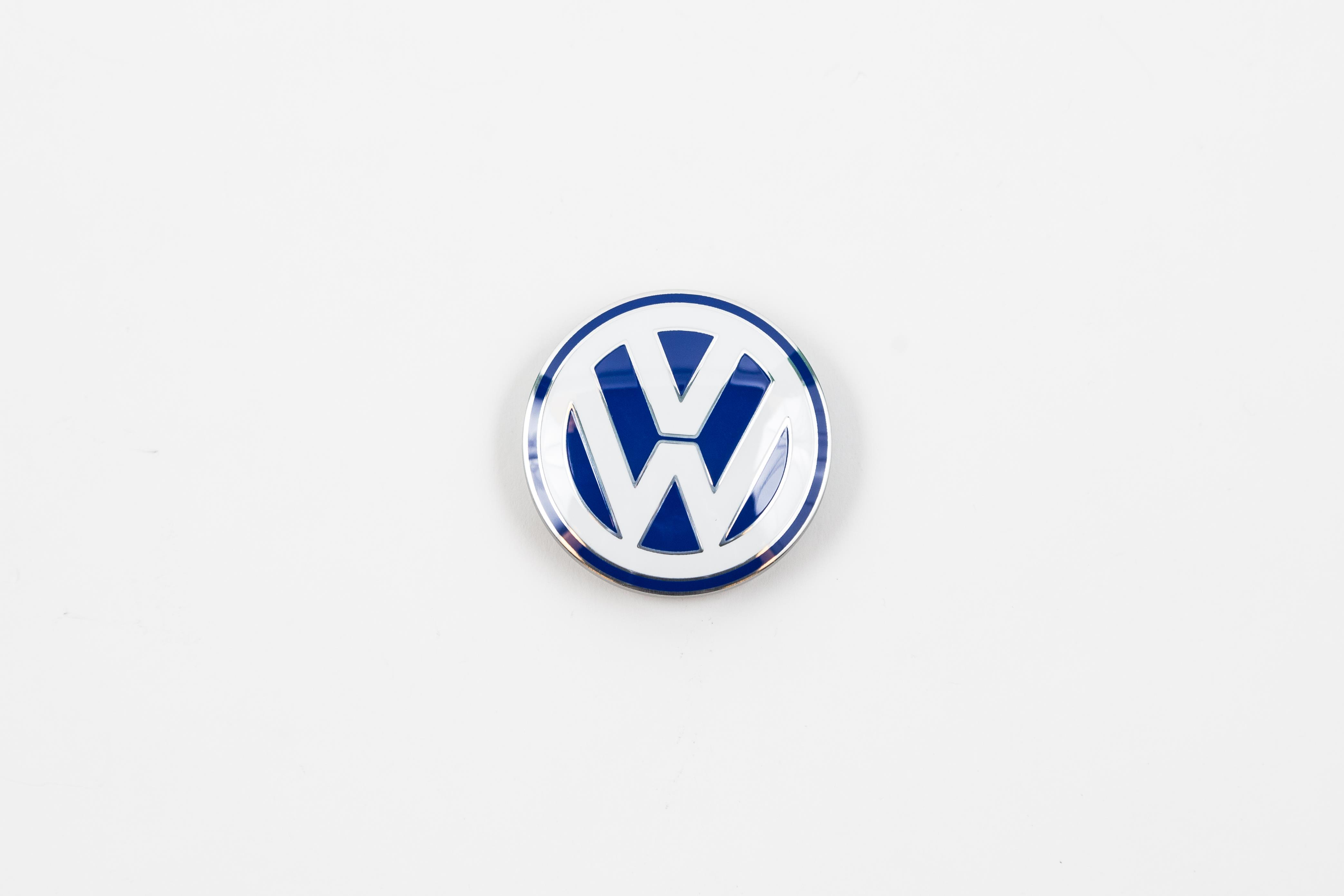 Volkswagen Jetta Center cap - Blue. Wheel, center, cap ...